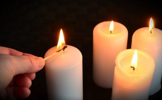 candles-1076675_640